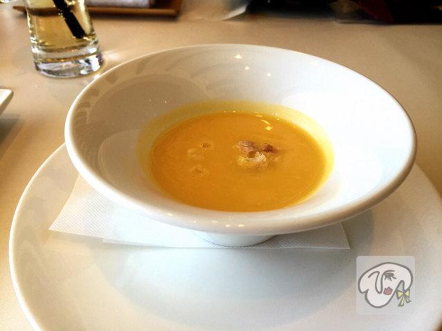 レストラン風の邱にんじんスープ